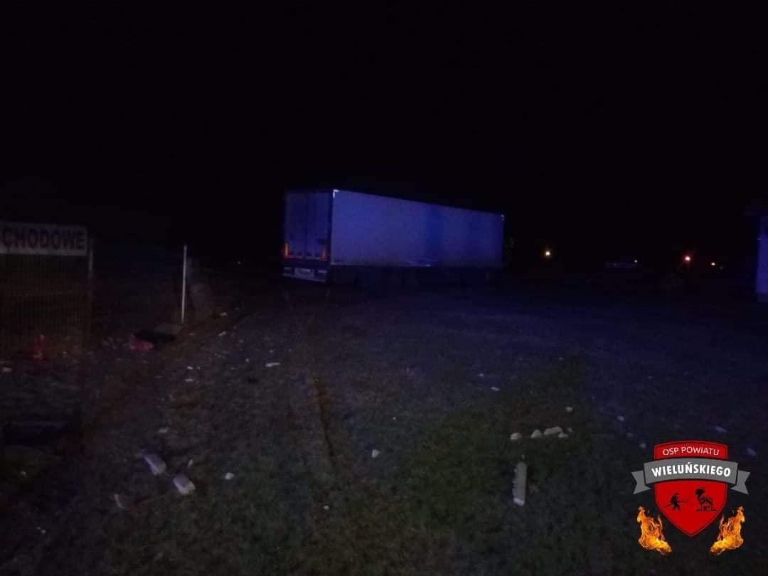 ALARM1827 20.12.2019 Wypadek drogowy zeskutkiem smiertelnym samochodu ciezaro.xx&oh=8e3061a5c25abf0610fb0f61d571e9b1&oe=5EA577FE - ALARM18:27 20.12.2019  Wypadek drogowy zeskutkiem śmiertelnym samochodu ciężaro...